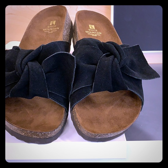 White Mountain Black Suede Bow Footbed